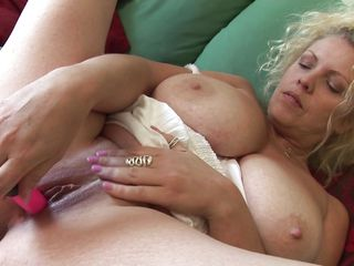 golden-haired milf teya fucking herself