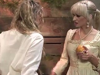 Blond lesbo fun with Amber Peach, Frankie