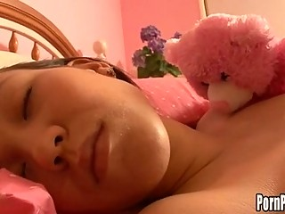Asin Pleasantheart Amai Liu Acquires Her Face Aperture Attacked By A Jock While Sleeping