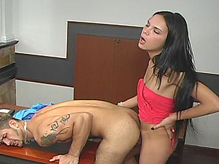 Laisa nasty shemale act