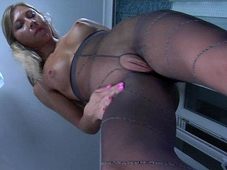 Dora in great pantyhose movie