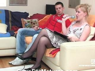 Silvia&Lewis seductive mama on clip