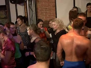 Tons of Blond ladies engulfing jocks