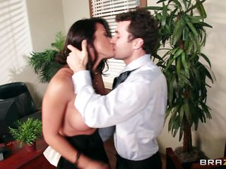 very sexy brunette bitch with round love muffins fucking at workplace