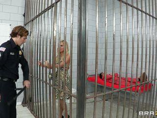 lascivious sluts in prison having enjoyment