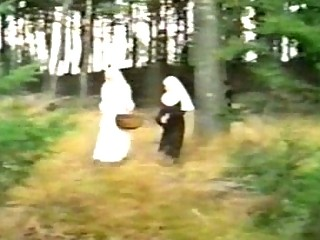 Dirty nuns sharing 10-Pounder outdoor