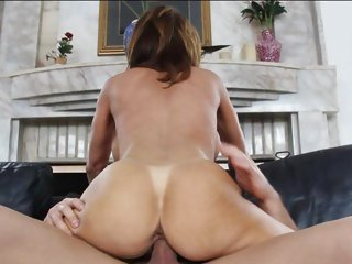 Agreeable Deauxma gets slammed up her wet pantie pot