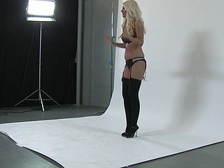 Blonde messy hooker is behaving unrestricted in front of the cam
