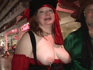 Out of a stitch on Erotic amateurs having funtime One A street