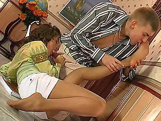 Bridget&Patrick mindblowing nylon feet action