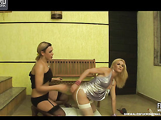 Alexia&Samara horny lady-boys in action