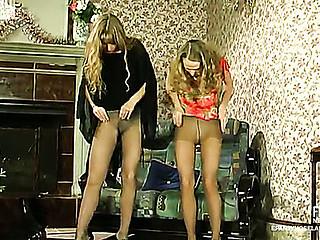 Diana&Florence live hose act