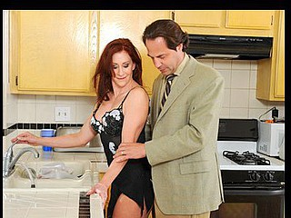 Housewife with a tight body gives her husband top notch head