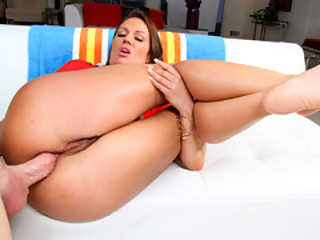 Milf Inari Vachs Likes It In Her Gazoo