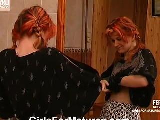 Penelope&Maria lesbo mama on clip
