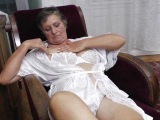 naughty grandma jana is masturbating