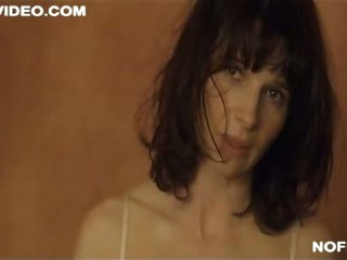 Exquisite French Babe Julliette Binoche Shows Her Bush - Sexy Sex Scene