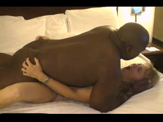 Mature Sexy Wife Dating Darksome Chap in Hotel Room