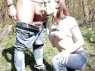 Sweethearts gives dicklick in public place