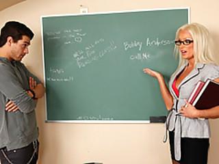 Student Take Advantage Of His Sexy Professor