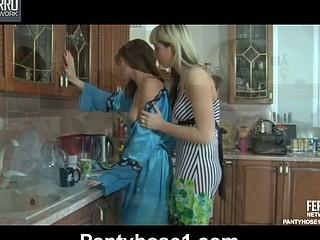 Barbara&Gloria lesbo hose act