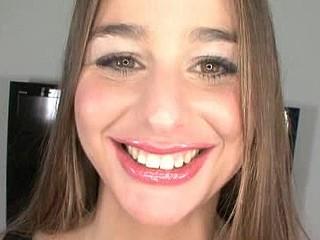 Deep Face hole Beauty Swallows Jizz