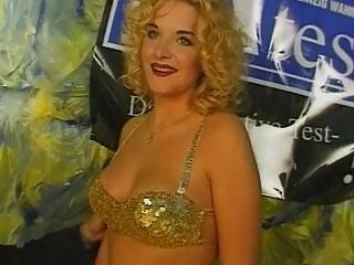 Large Tits Blonde Bitch Teasing Sho...