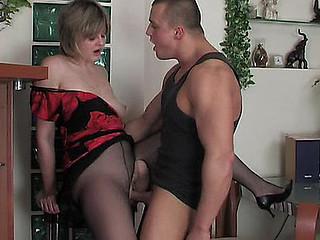 Leonora&Nicholas older hose movie scene