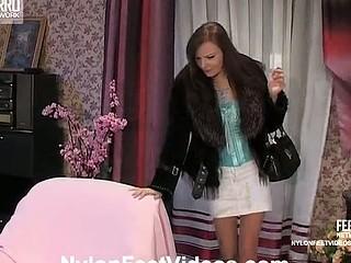 Gwendolen&Marion nasty nylon footsex