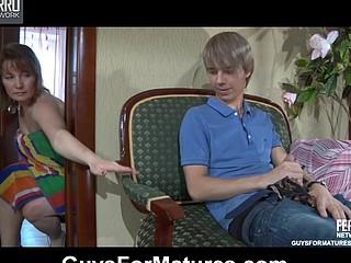 Flo&Benjamin horny mama on movie
