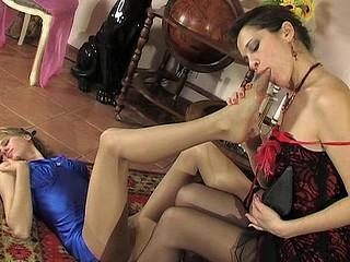 Dolly&Joanna lewd nylon feet action